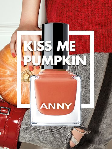 KISS ME PUMPKIN